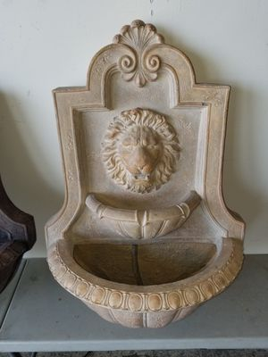 Outdoor Lion head wall fountains for Sale in Windermere, FL