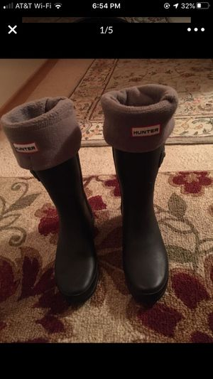 HUNTER RAIN BOOTS WITH REMOVABLE FUZZY LINING for Sale in Joint Base Lewis-McChord, WA