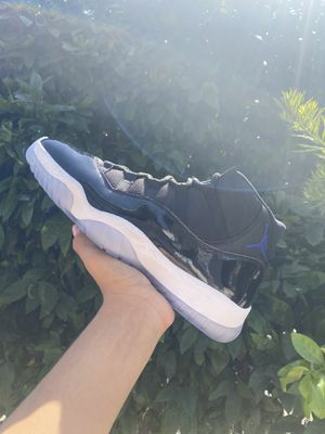 Jordan 11 Space Jams (size 11) for Sale in Los Angeles, CA