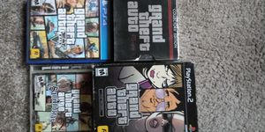 Grand Theft Auto bundle 8 disc for Sale in Indianapolis, IN