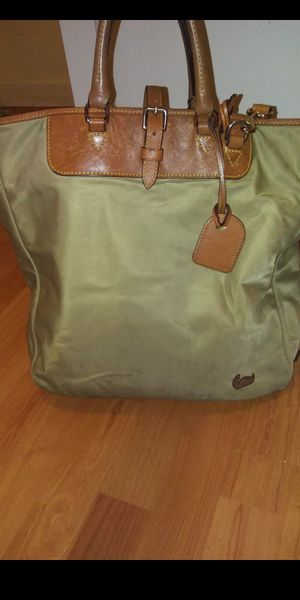 Dooney and bourke Tote bag for Sale in Rockville, MD