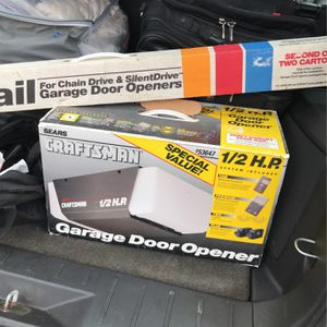 Craftman 1/2 HP GARAGE DOOR OPENER for Sale in Lumberton, NJ