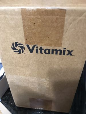 Brand new in box Vitamix 32-ounce Container. Never used. for Sale in Miami, FL