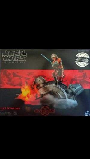 EXCLUSIVE COLLECTIBLE 2017 STAR WARS THE BLACK SERIES CENTER PIECE #2 LUKE SKYWALKER LIGHT UP STATUE. for Sale in El Mirage, AZ