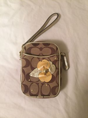Coach phone case or tiny clutch for Sale in Los Angeles, CA