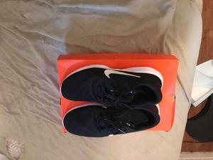 Nike flex experience size 9 in men's for Sale in Fresno, CA