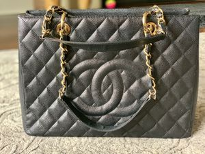 Grand shopper Chanel bag. for Sale in Irvine, CA
