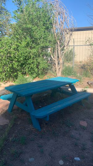 Very nice picnic table $60 obo needs to be gone today in next few hours I'm moving. for Sale in Rio Rancho, NM