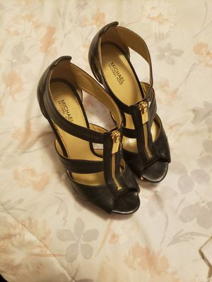 Michael kors shoes size 8 for Sale in Los Angeles, CA