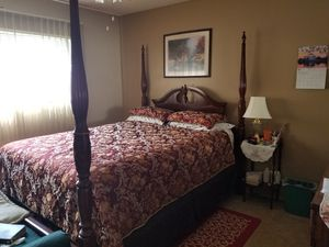Beautiful Queen Set with Mattress for Sale in Mesa, AZ