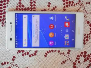 Like New Sony Ericsson Xperia z3v Verizon/T-Mobile/MetroPCS/AT&T/Cricket Phone Unlocked Clear ESN White for Sale in Glendale, AZ