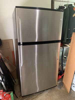 GE Stainless Steel Top Freezer Refrigerator for Sale in Ewa Beach, HI