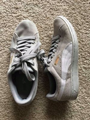 Grey Puma sneakers for Sale in Fairfax, VA
