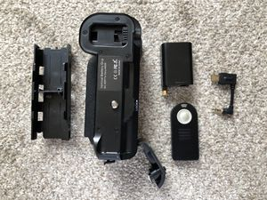 Camera Power Battery Grip for SONY a6000 for Sale in Chicago, IL
