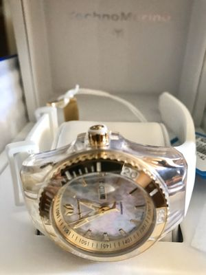 Brand new authentic technomarine watch. Pearl. No trades for invicta. Michael kors. Seiko. Gucci or apple other watches. Box and papers. Reaso for Sale in Miami, FL