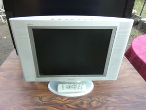 Samsung 17 inch widescreen TV with remote control $50 for Sale in Washington, DC