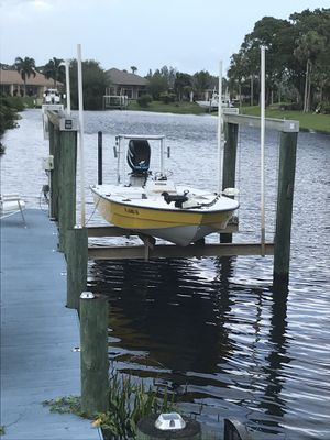Hurricane 13,000 pound 4 post boat lift for Sale in Stuart, FL