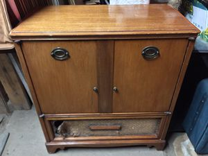 Antique Stereo Cabinet for Sale in Woodlake, CA