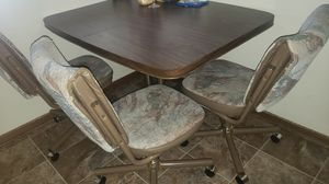 Kitchen table for Sale in Pleasant Hill, IA