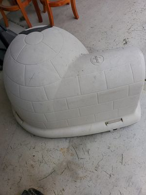 Igloo Large Dog House! for Sale in Caldwell, ID