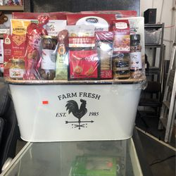 Farm Fresh Basket With Lots Of Food With It for Sale in Claremont,  CA