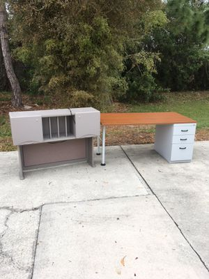 Steelcase Desk & Hutch DELIVERY AVAILABLE 🚗 for Sale in Bonita Springs, FL