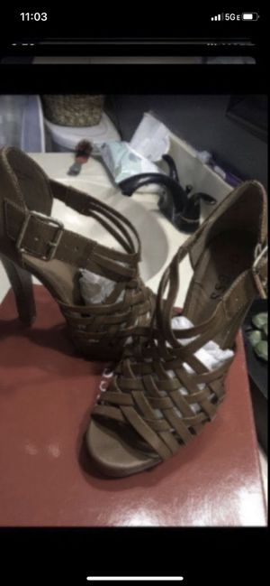 USED GUESS HEELS 👠 IN EXCELLENT CONDITION... SIZE 7 ...$30 dlls ... PRICE IS FIRM for Sale in Colton, CA