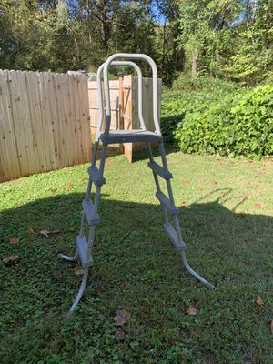 Pool ladder for Sale in Liberty, SC