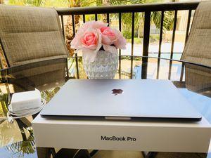 MacBook Pro 2017 - Like New for Sale in Boca Raton, FL