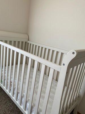 Crib with new whisper organics for Sale in DeKalb, IL