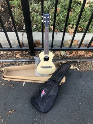 Concert ukulele. 23 inch for Sale in Livermore, CA