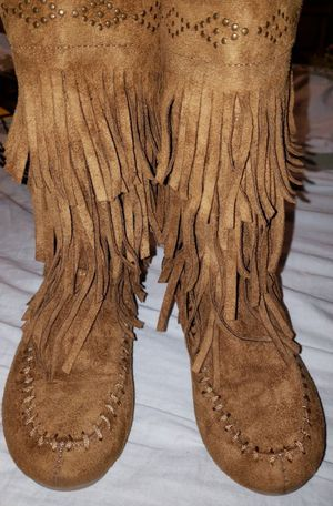 Rampage Girls Moccasin Boots Size 2M for Sale in Orange Park, FL