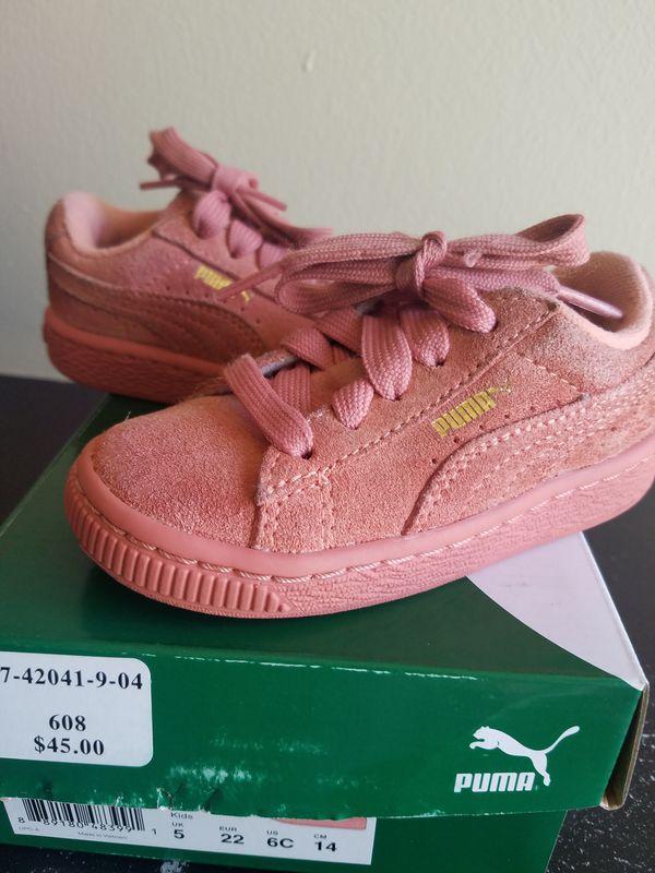 Suede Pink Puma size 6c