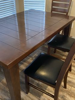 Dining table + 4 Chairs (need repair) + bench for Sale in Corona,  CA