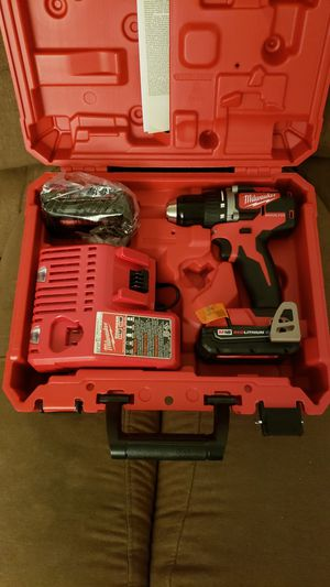 Milwaukee compact BRUSHLESS drill with 2 batteries for Sale in Sunrise, FL