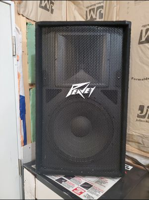 peavey speakers and 1600 watt amp for Sale in Wichita, KS
