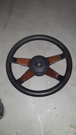 GM*STEERING WHEEL * Black leather for Sale in Beaumont,  CA