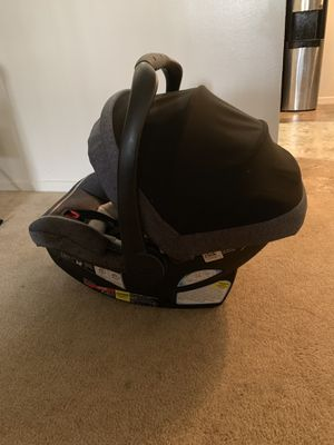 Graco Snugride 35 car seat and base for Sale in Anaheim, CA
