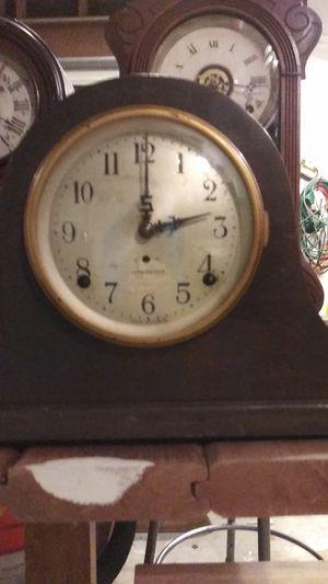 Antique mantle clock for Sale in Sacramento, CA