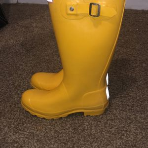 Hunter Yellow Rain Boots for Sale in Lynnwood, WA
