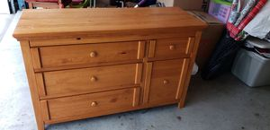 Baby crib and dresser for Sale in Nashville, TN