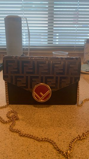 FENDI Wallet on chain for Sale in Moreno Valley, CA