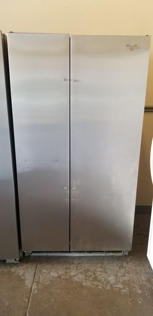 Whirlpool Stainless Steel Refrigerator for Sale in Wahiawa, HI
