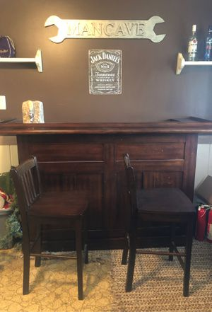 Bar with stools and other accessories for Sale in Monroeville, PA