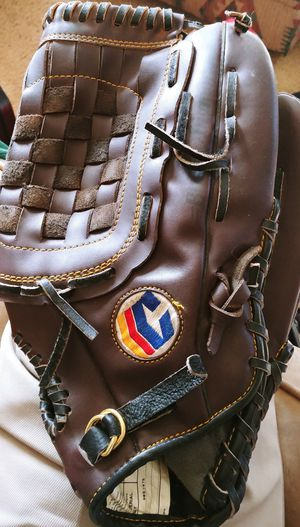 Softball Glove for Sale in Richmond, VA