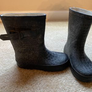 Black Rain Boots with Side Bow for Sale in Raleigh, NC