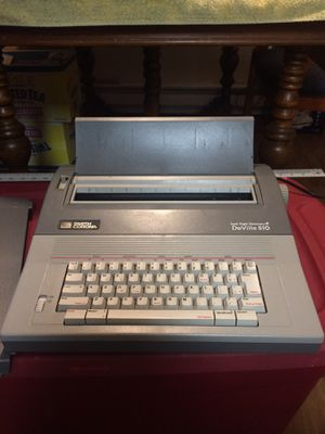 Smith corona Electric Typewriter for Sale in Spokane Valley, WA