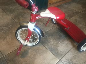 Radio Flyer tricycle mint condition with bell. Very clean and ready for a new home. for Sale in Plainfield, IL