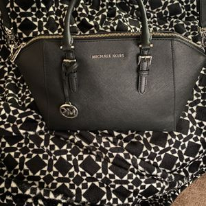 Like New Michael Kors Purse for Sale in Bothell, WA