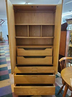Vintage Thomasville Oak Armoire Dresser for Sale in Bechtelsville, PA